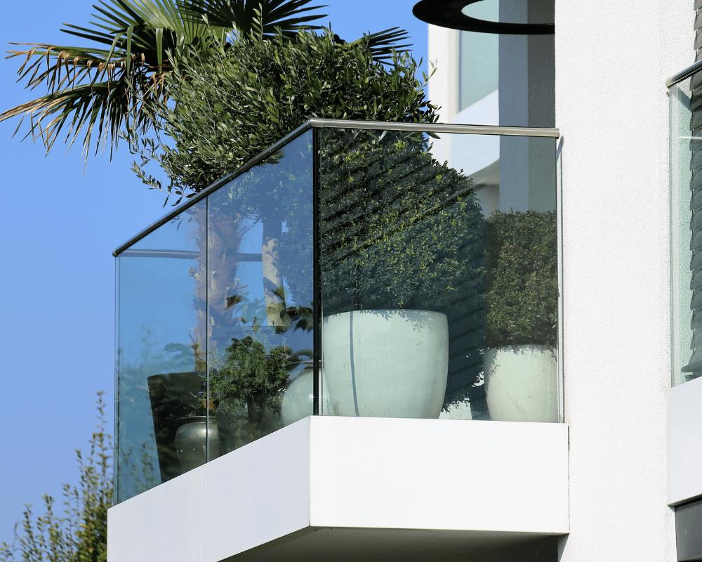 glassrekkverk balkong