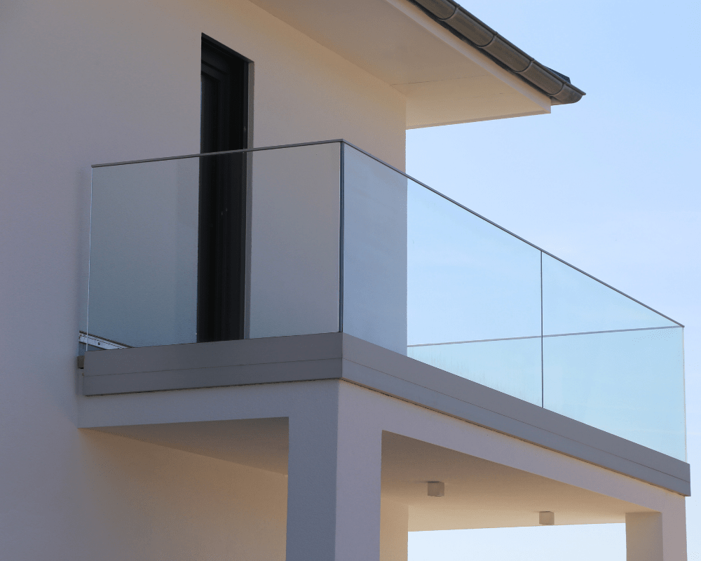 glassrekkverk balkong 5-min